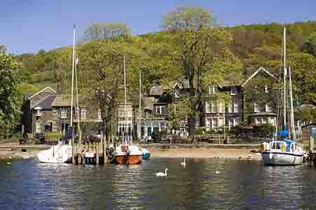 waterhead-hotel-from-lake-windermere