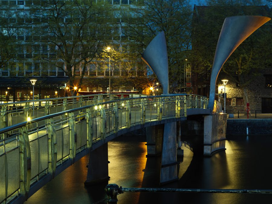the-birstol-exterior-at-night-with-peros-bridge