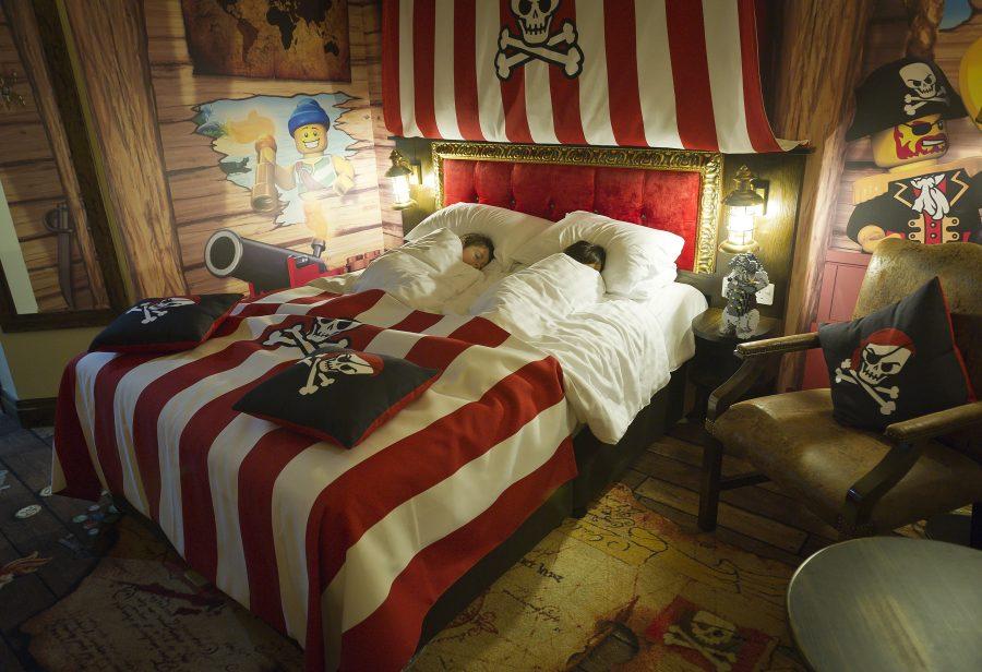 legohotel-kids-sleeping-in-parents-bed