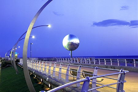 blackmirror-ball-and-south-shore-attractions